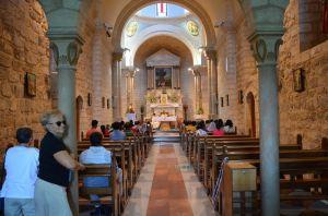 Cana - interno della chiesa della trasformazione dell'acqua in vino